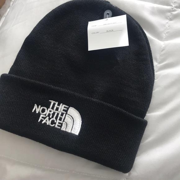 3536a747b White & Black North Face Beanies EACH BEANIE $15 NWT
